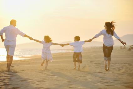 家族旅行で人気のホテル、国内1位は「ホテル日航アリビラ」、世界トップはイタリアから ―トリップアドバイザー