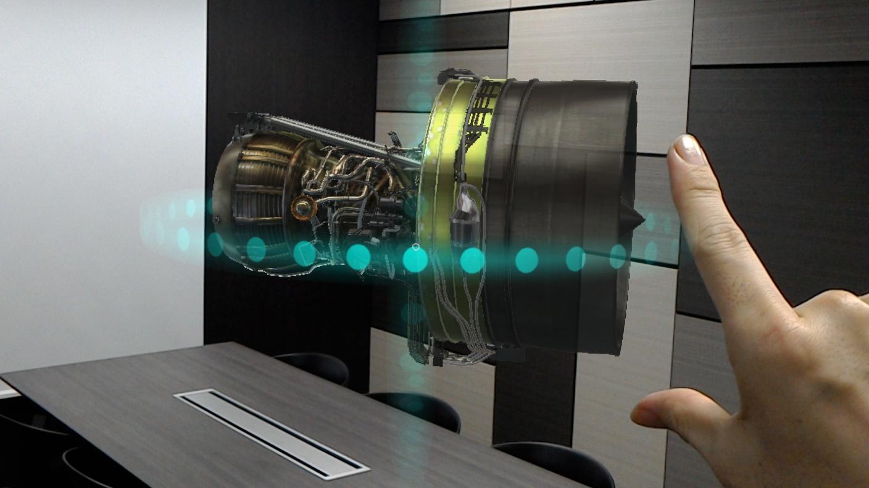 航空訓練も3D仮想映像の時代へ、JALとマイクロソフトがパイロットや整備士向けの新ツールを共同開発