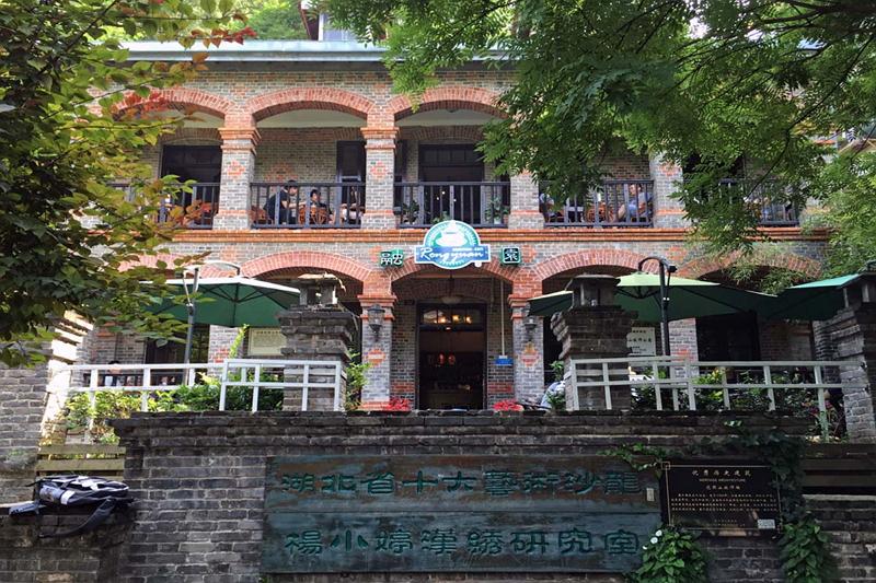 街のあちこちに租界時代の洋風建築物が点在する武漢。古い洋館を見て歩くのも楽しみの一つだ