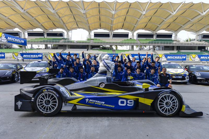 KNT、レーシングカーの試乗イベントに参加するツアー、マレーシア2泊4日で17万4000円