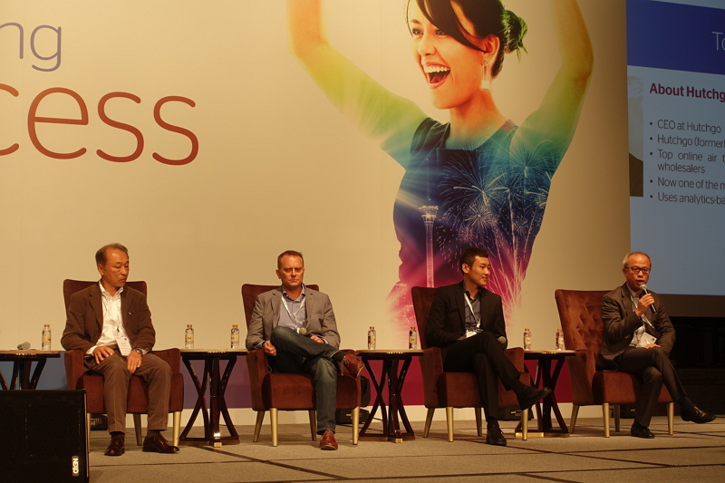 「Online Juggernaut(オンラインの力)」のパネリスト: 左から、DeNAトラベル事業開発担当エグゼクティブマネージャーの中村純氏、スカイスキャナーAPACコマーシャル・デイレクターのポール・ホワイトウェイ氏、マルコポーロ・トラベルVPのジェイソン・スイ氏、Hutchgo CEOのトニー・マ氏