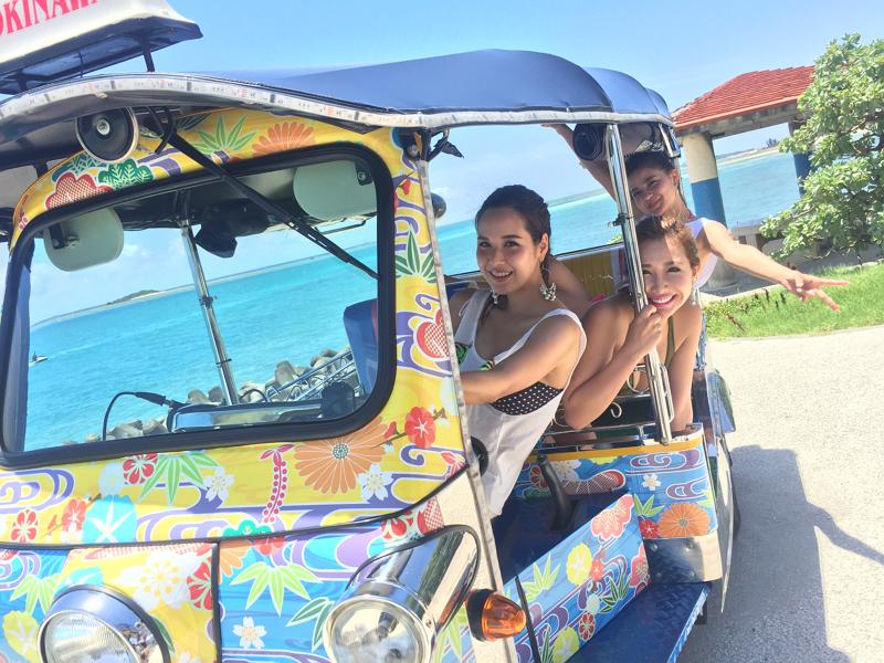 沖縄にタイの三輪タクシー「トゥクトゥク」登場、那覇・国際通りに専門店オープン