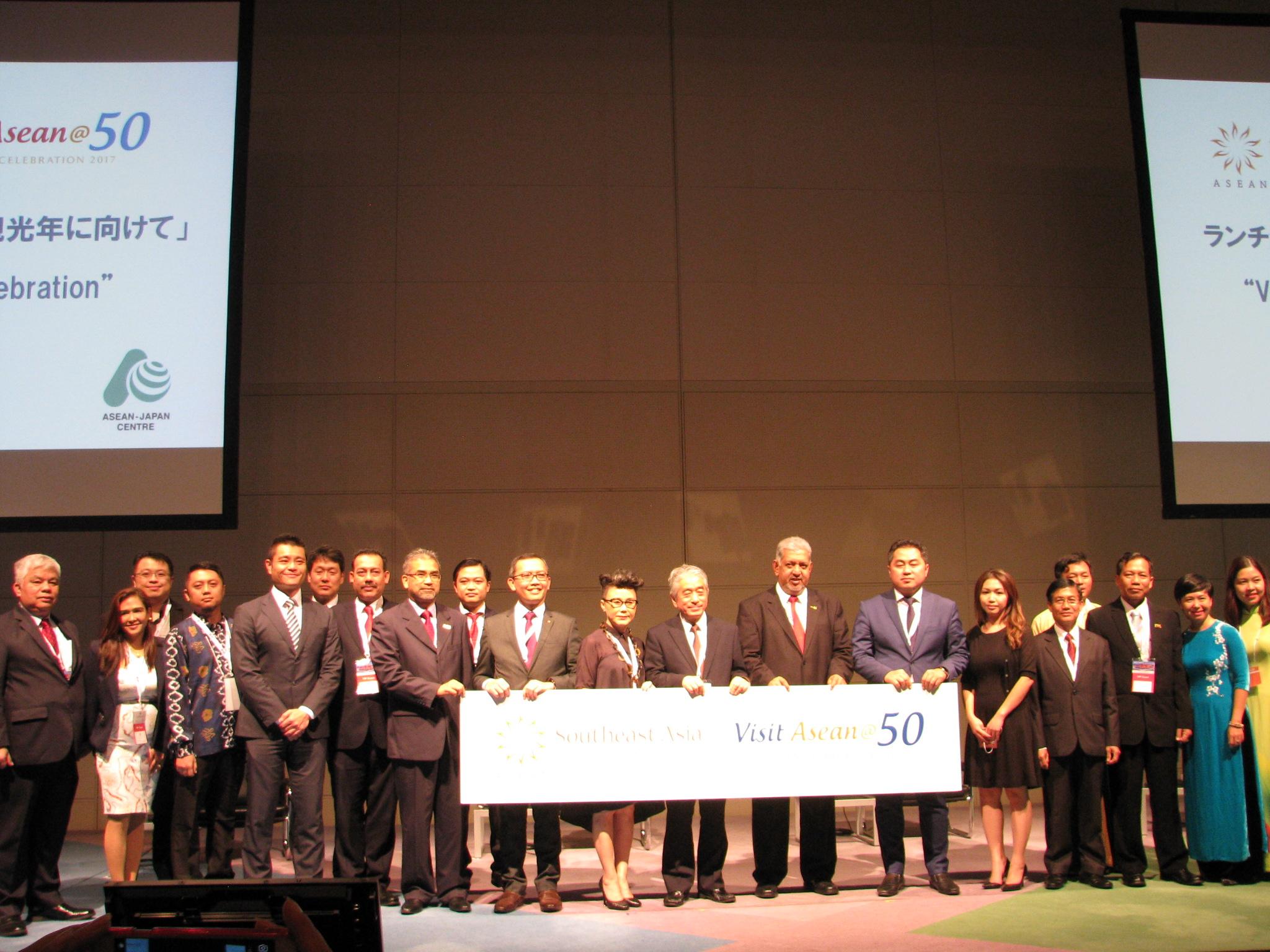 ASEAN結成50周年で10か国共同の観光キャンペーン、国境超えた観光ルートなど多様性で観光促進へ