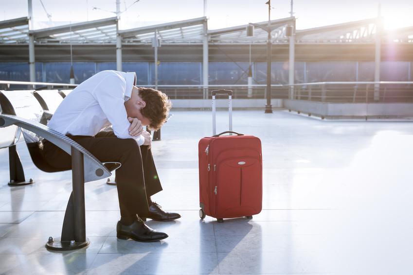 海外旅行の手配トラブル経験者は1割、最多は「飛行機、宿泊先の手配ミス」 ―日本法規情報