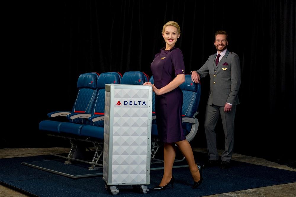 デルタ航空が新ユニフォームを発表、客室乗務員(CA)や地上で6万人が着用、2018年から【画像】