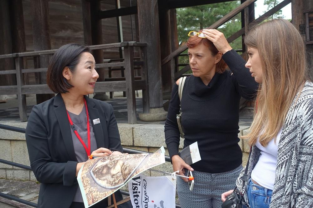 京都市認定の新たな通訳ガイドに密着、外国人旅行者のおもてなし最前線を取材した 【画像】