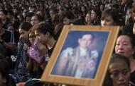 タイ国政府観光庁、国王崩御で服喪期間の旅行者に注意呼びかけ、観光地・交通機関など平常通り
