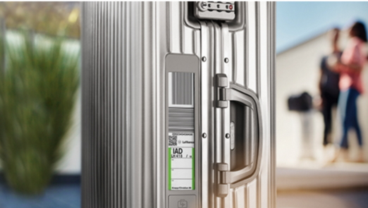 電子タグ内蔵スーツケースで空港の荷物預け入れをスムーズに、リモワ社が国内販売を開始、ルフトハンザ航空アプリで利用可能