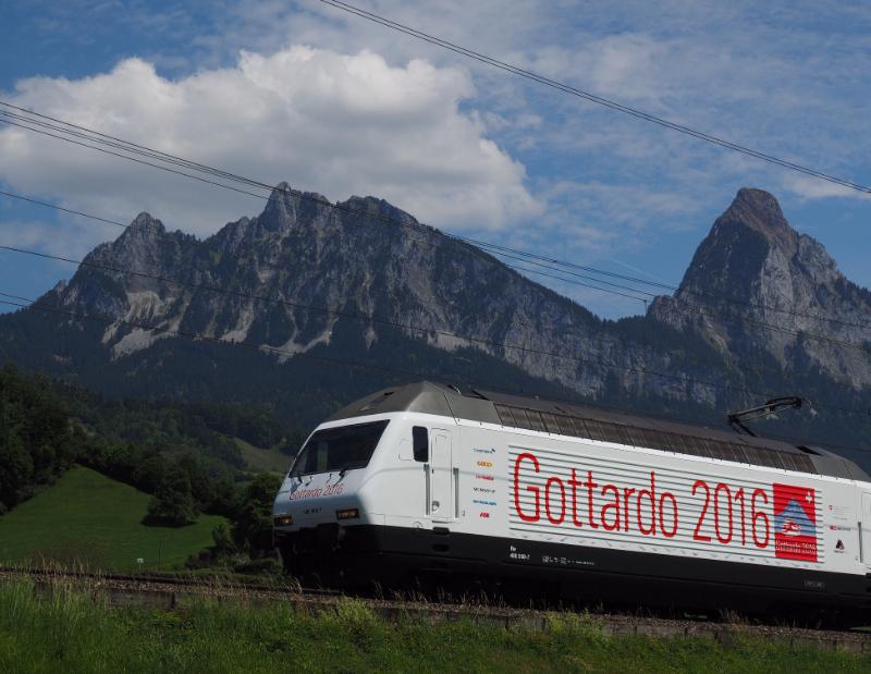 特別塗装のゴッタルディーノ。2016年11月27日まで特別列車として運行 © AlpTransit Gotthard Ltd
