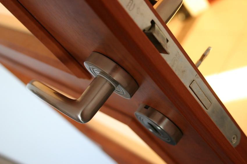 簡易宿所のフロント設置の要否、「電子鍵」を活用する場合は義務なし ー経産省が回答