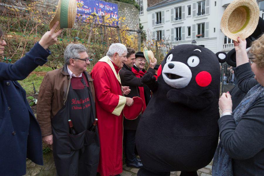 くまモン、フランス4都市で熊本県産ワインをピーアール、「名誉市民」や「騎士団」にも