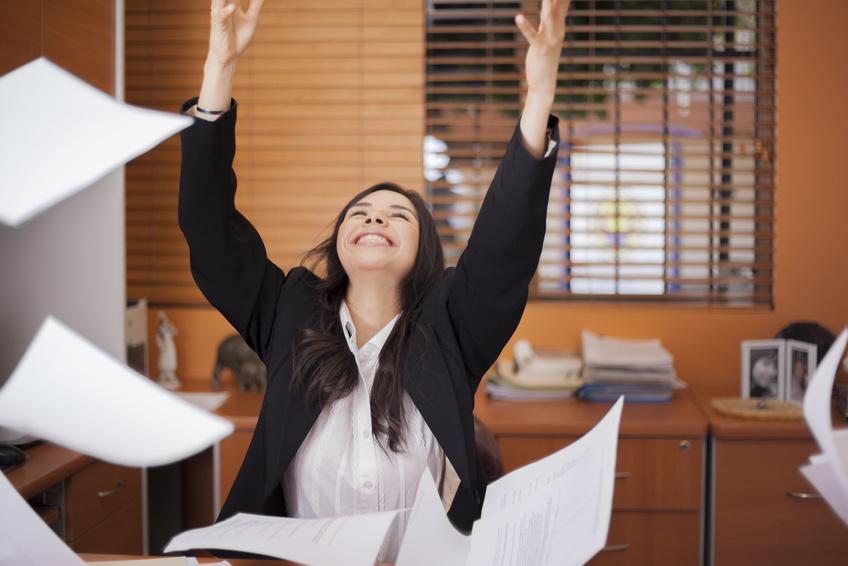 会社員の夏休み2019、「9連休」が最多、一方で「休みなし」は2割 ―マクロミル調査