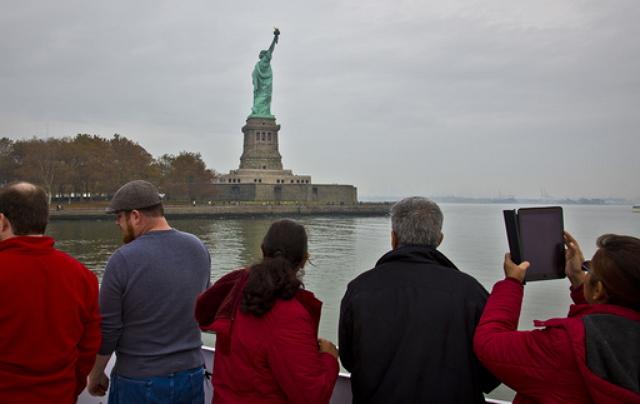 トランプ・スランプは米国の観光産業も直撃、業界団体が「旅行需要低下の明らかな兆候」で声明