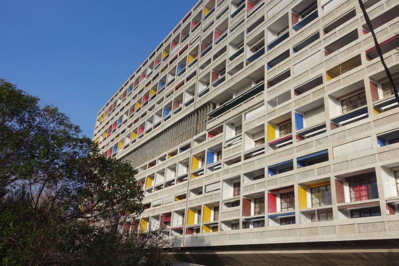 世界遺産ル・コルビュジエのユニテ・ダビタシオン。もそもそ第二次世界大戦の後、難民のために造られた