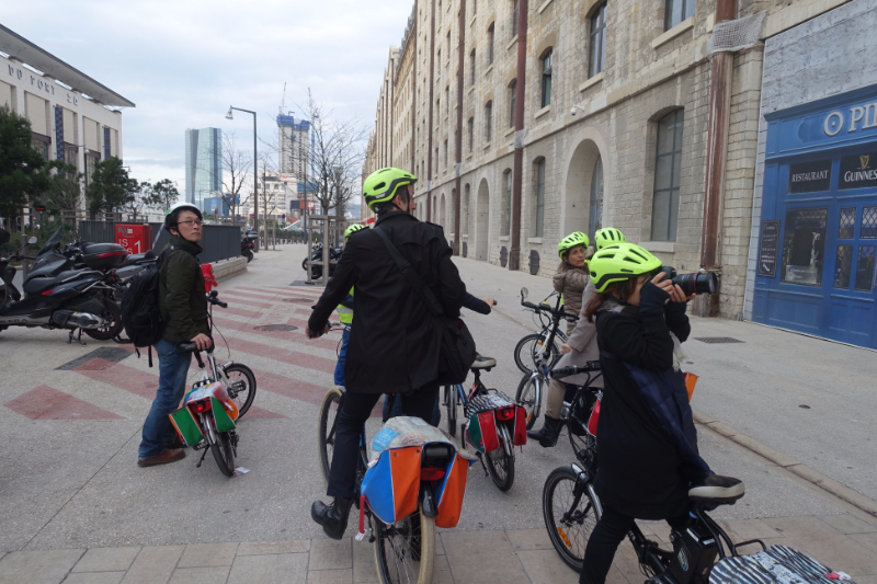 自転車ツアーに参加すれば、違った角度からマルセイユを楽しめる