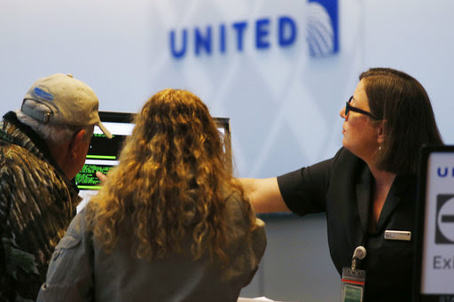 ユナイテッド航空が決算発表、オーバーブッキング騒動に謝罪、CEO「旅客を中心に考える企業」へ