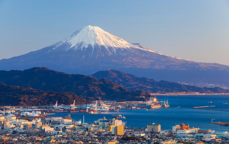 富士山のネット環境で進化続く、無料Wi-Fiから通信環境の高速化まで、NTTやKDDIがサービス拡充