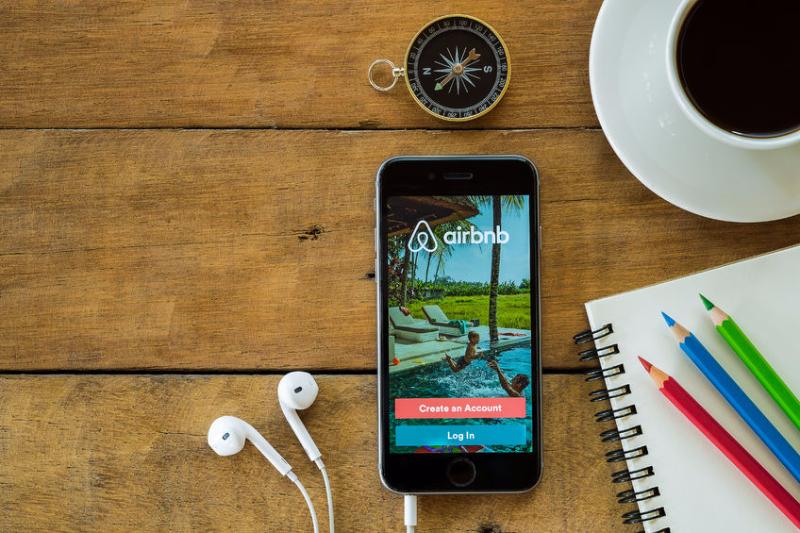 高級宿泊予約「Relux(リラックス)」と民泊「Airbnb」が提携、日本の旅館を民泊サイトに掲載可能に