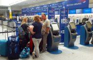 英国航空のシステム障害、週末の大規模キャンセルで混乱続く、サイバーテロの可能性は否定