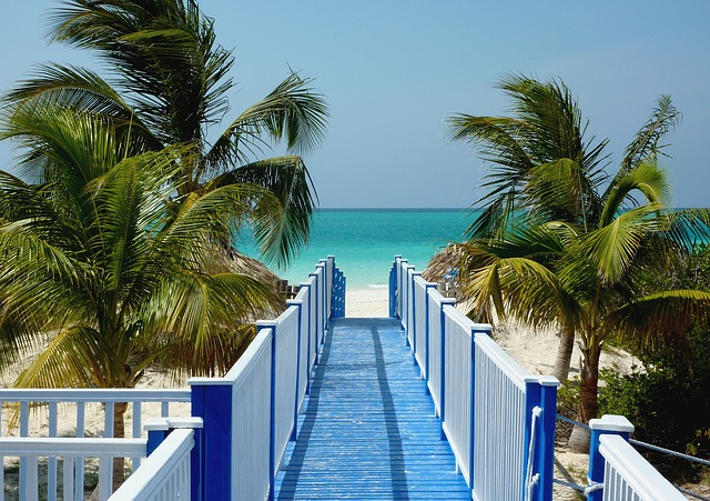 米エクスペディア、キューバのホテル予約を開始、現地パートナーと提携で