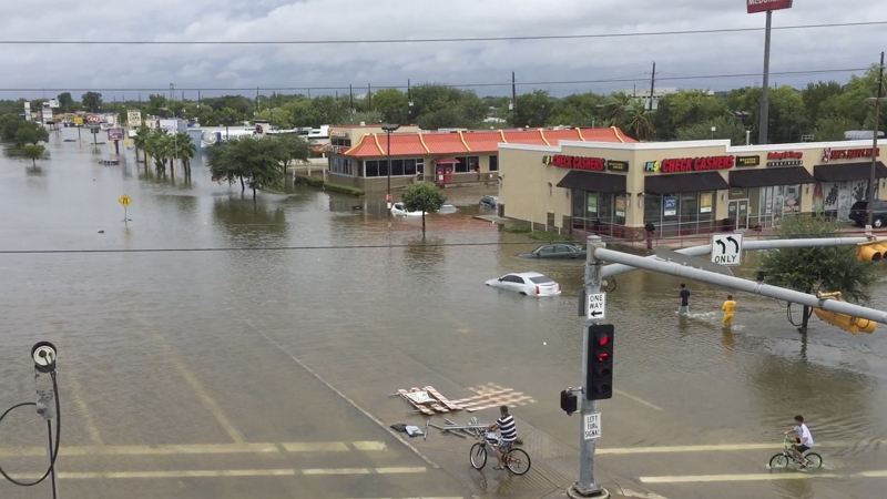 ユナイテッド航空、ハリケーン被害で米ヒューストン便を一時停止、8月31日まで空港閉鎖も