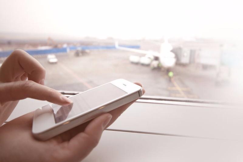 JAL、LINEで運航情報などリアルタム配信へ、法人向け「通知メッセージ」と連携、ANAも