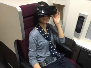 JAL機内で「仮想現実」(VR)サービス、阪急交通社・KDDIらと実証実験、世界をワープする旅行など