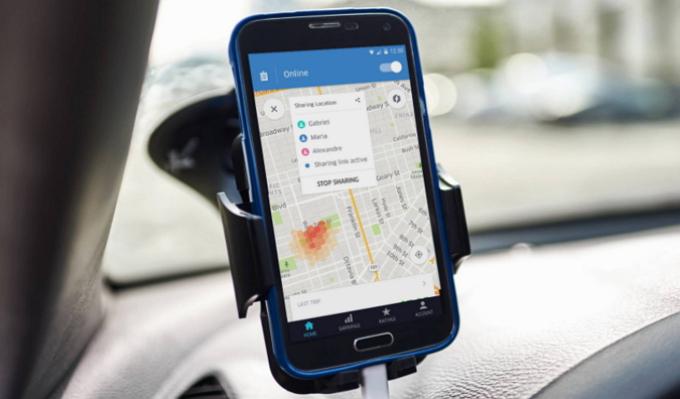 配車サービス「ウーバー」、乗客の身分証明に新方法、フェイスブックでも可能に