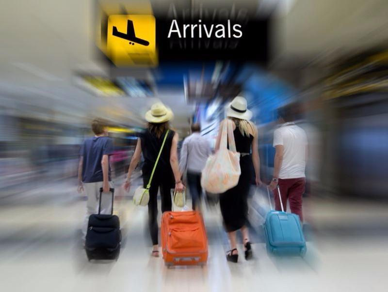 【図解】2019年の訪日外国人数は2.2%増の3188万人、旅行消費額は6.5%増の4.8兆円に(直近10年の推移グラフ付き)