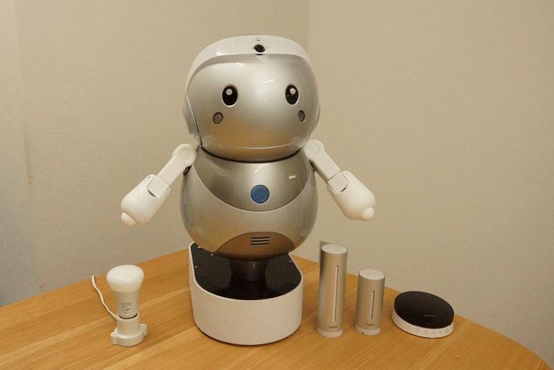 民泊物件で「IoTロボット」活用へ、外国人ゲストとの会話補助や消耗品発注など、ヤフーらが実証実験