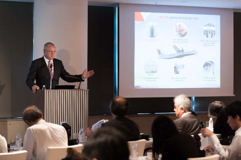 航空機メーカー「ATR」、日本で最新機材をアピール、地方を結ぶ最適機として