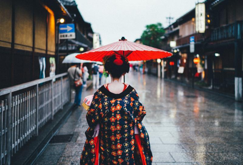 関西で訪日客向けの広域交通パス登場、JR・京阪・地下鉄利用で京都の混雑緩和狙いも