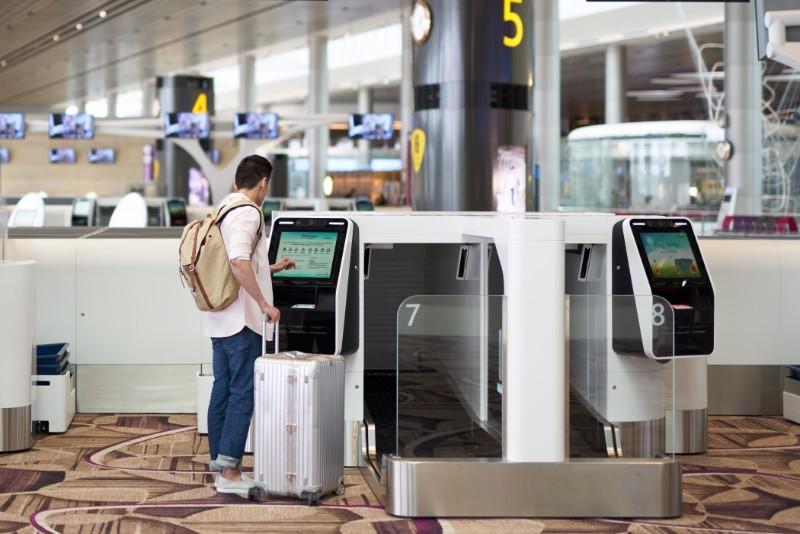 キャセイ航空が空港手続きを完全自動化、チェックインから搭乗まで顔認証など積極採用、シンガポールの空港で
