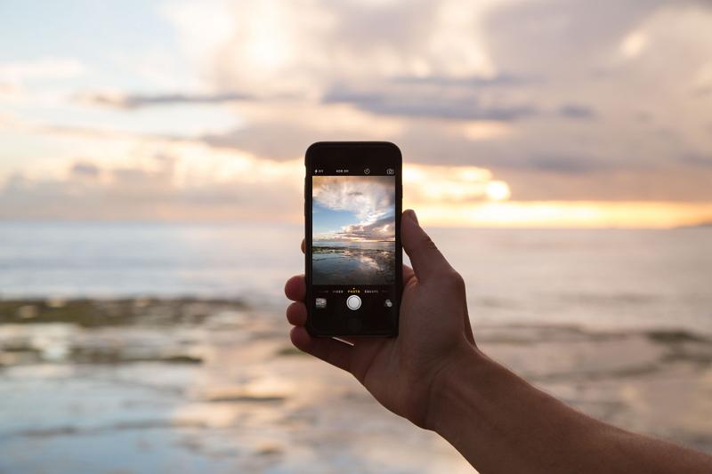 新成人のデジタル端末所有率1位はiPhone、SNSの利用上昇率はインスタがトップ
