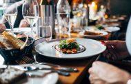 飲食店の予約、20代トップは「ホットペッパー」、50代は電話予約に次いで「ぐるなび」30%