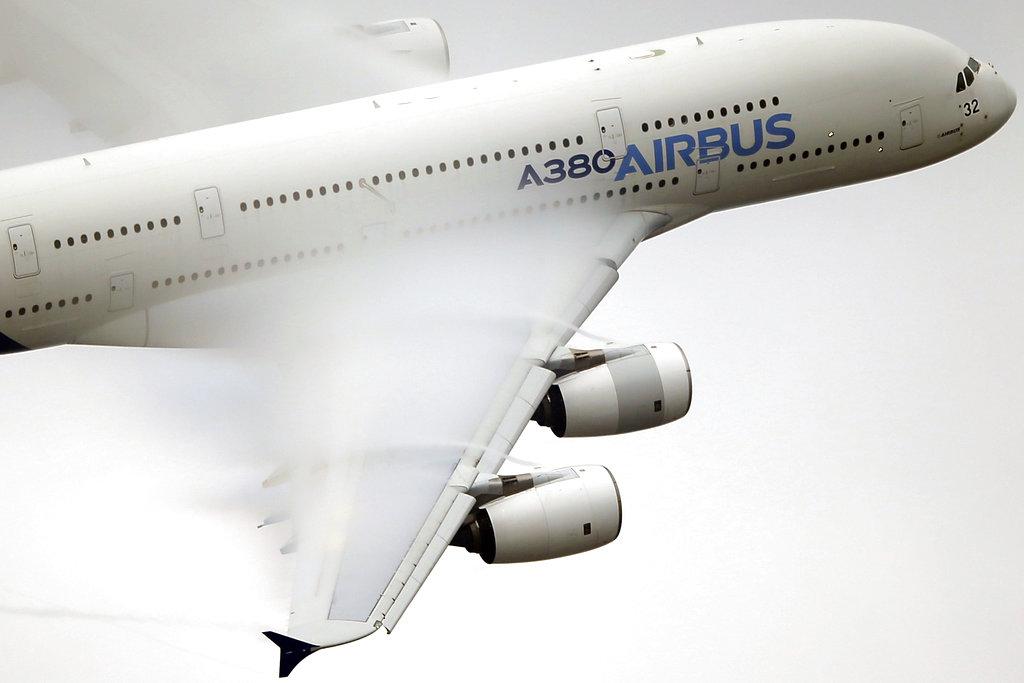 エアバス社がA380を生産中止に? カギを握るエミレーツ航空、生産存続で長期契約が必須に