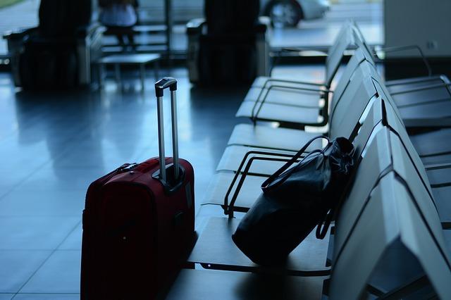 平成30年7月豪雨で宿泊者数が減少、低迷する日本人と好調な外国人で明暗、民泊新法の影薄く -観光庁(2018年7月速報)