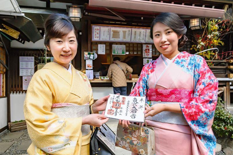 日本和装、中国アリババ系旅行サイトで「着物着付け体験」を販売、ヘアメイクや通訳付きで