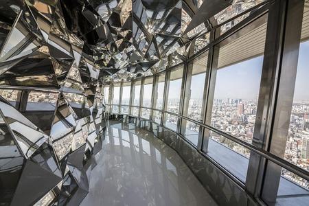 東京タワーに新体験ツアー、地上250メートルの特別展望台「トップデッキ」で、大人2800円