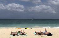 フィリピン政府が人気ビーチを一時閉鎖へ、観光客ら影響で深刻な海洋汚染、中部「ボラカイ島」で航空機の減便も検討【外電】