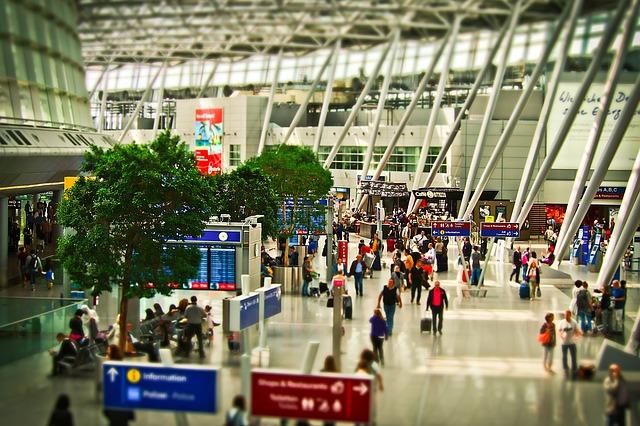 53空港ターミナルビルの売上ランキング、首位はダントツで羽田、2位・新千歳の3.6倍、伸び率では米子が2割増でトップ -東京商工リサーチ