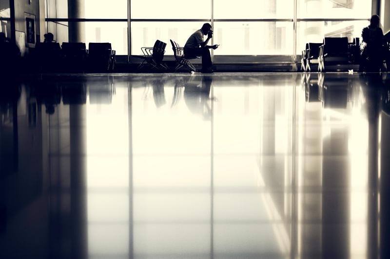 デルタ航空、マイレージプログラム担保に約6850億円を新規調達、米大手航空3社の従業員解雇さらに増える恐れ