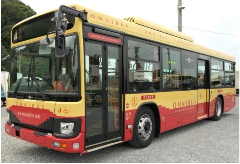 河口湖・西湖周遊バスが大型化、乗客人数は2.5倍に、インバウンド人気の観光路線で ―富士急行