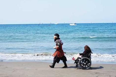 観光庁、ユニバーサルツーリズム促進で実証事業の6企業を選定、車いすでの海岸めぐりや滝行体験など