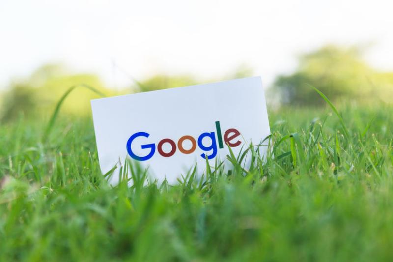 グーグル、音声でホテルの簡単予約を開始、タビナカでは「航空チェックイン」や「通訳モード」も