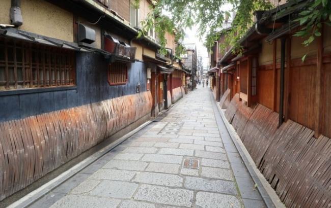 居酒屋をハシゴする訪日客向けツアー、東京・大阪版の好評で京都でもスタート、地元ガイドと3軒を3時間で