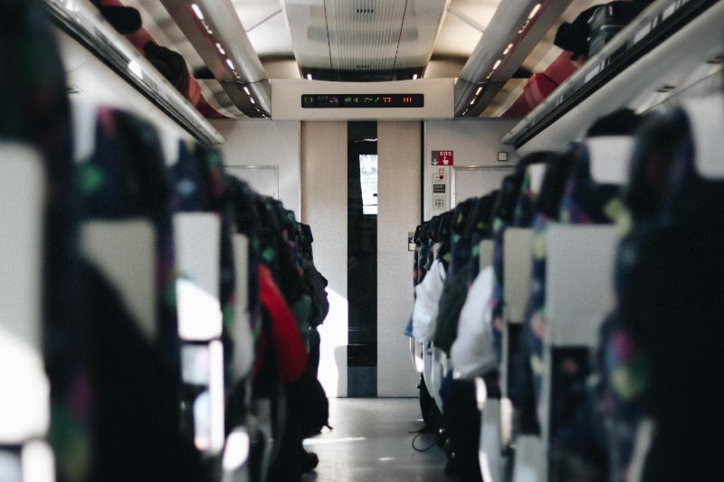 JR東海、列車内に新型端末導入で「車内改札」省略へ、一部特急の指定席・グリーン席で