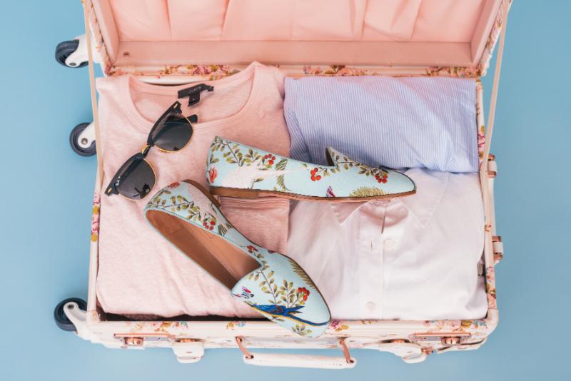旅先でファッションを気遣う日本人は6割、一方で世界の旅行者はおしゃれより機能性 ―ブッキング・ドットコム調査