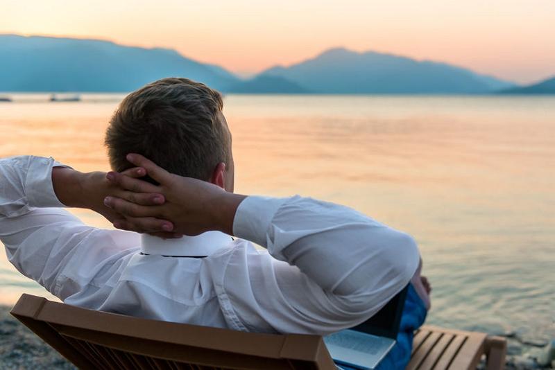 「出張+休暇(ブレジャー)」が出張の1割に、民泊利用者の8割が「ミレニアル世代」 ―コンカー調査(2017年)