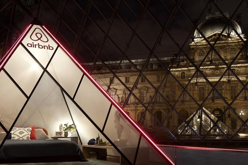 民泊エアビー、閉館後のルーブル美術館に宿泊する特別企画、一夜限りの参加者を募集【写真】